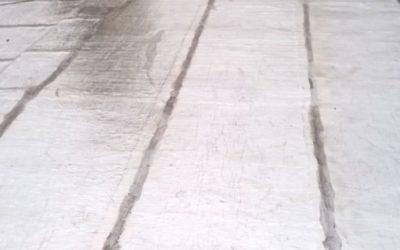 ¿Si tengo colocada una membrana con aluminio, puedo hacer una carpeta cementicia sobre ella para luego colocar cerámica?